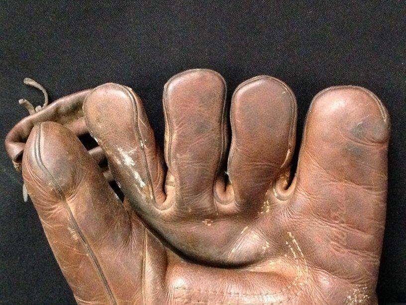 Vintage Hutch Leather Open Finger Baseball Glove. - 3