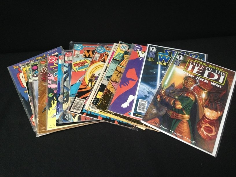 Lot (15) Vintage Comic Books Marvel & DC.