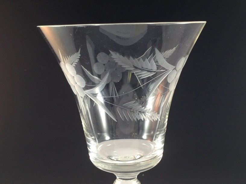 (24) Gorgeous Etched Crystal Stemware. - 4