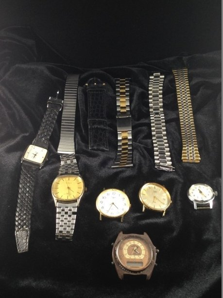 Lot (6) Vintage TIMEX Watches and (5) Bands.
