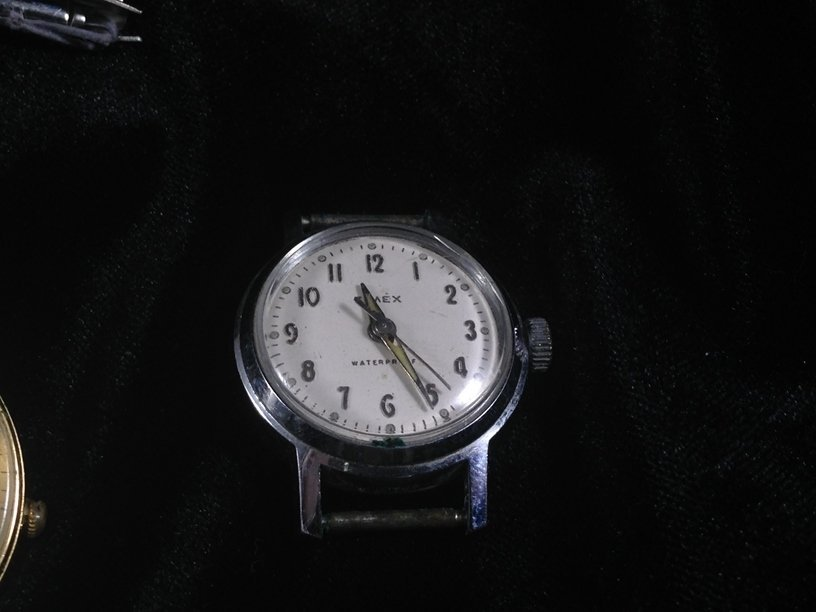 Lot (6) Vintage TIMEX Watches and (5) Bands. - 4
