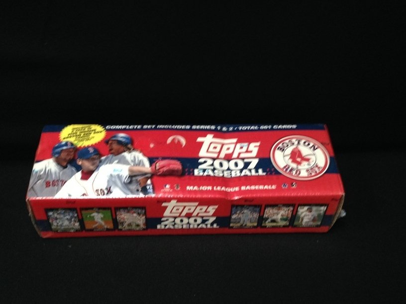 2007 Topps 661 Cards in Sealed Box.