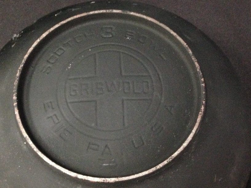 "Vintage Griswold ""Erie"" #3 Scotch Bowl - 4"