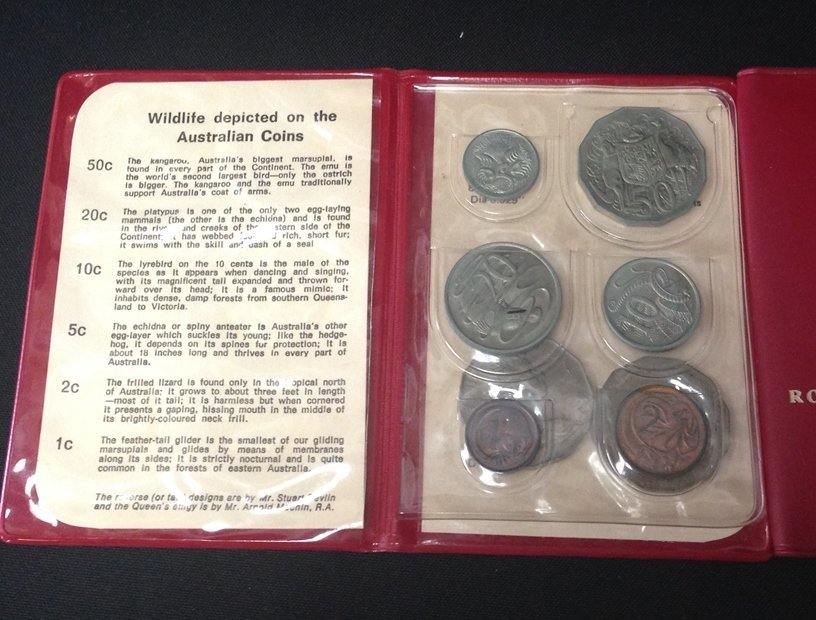 Lot (5) British Coin Sets...See Description. - 8