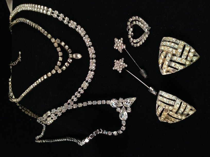 Mixed Lot Vintage Fashion Jewelry. - 3