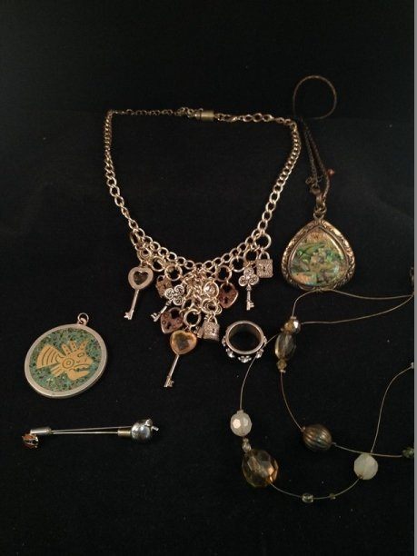 Mixed Lot Vintage Fashion Jewelry. - 7