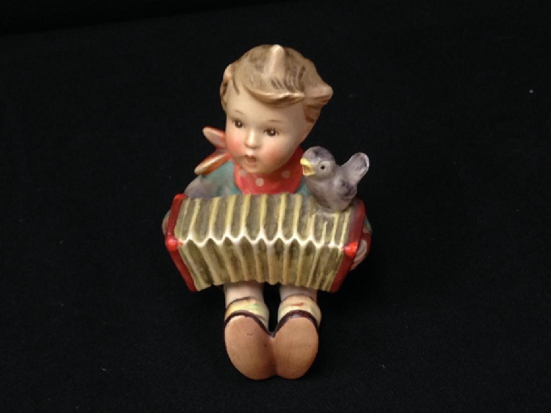 Hummel Figurine 'LET'S SING' TMK-2.