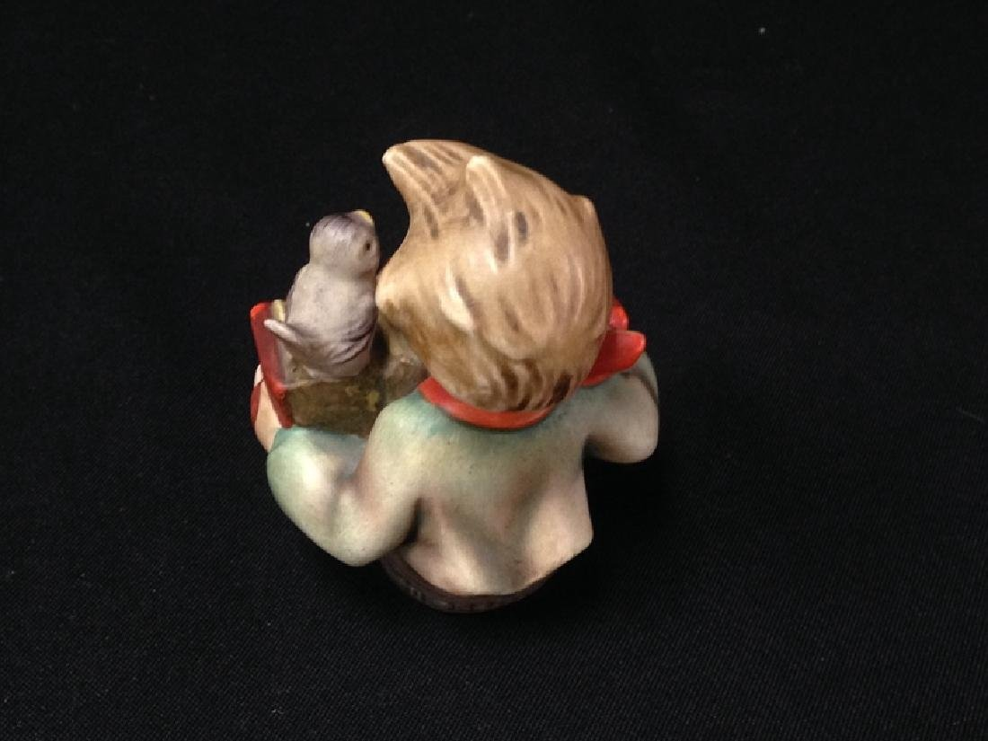 Hummel Figurine 'LET'S SING' TMK-2. - 3