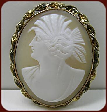 360237: Vintage Hand-carved Shell Cameo Brooch - Ceres