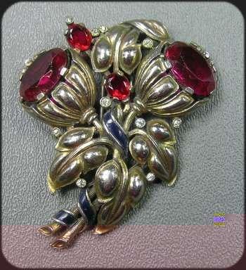 360239: 1940s  Alfred PhilipeTrifari Ruby Glass Gold Fl