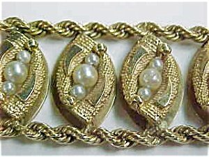 367633: Pearl and Gold Bracelet