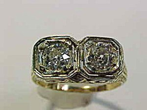 367638: Antique Twin Old Mine Diamond Ring