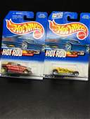 2 cars set from Hot Wheels Hot Rod Magazine