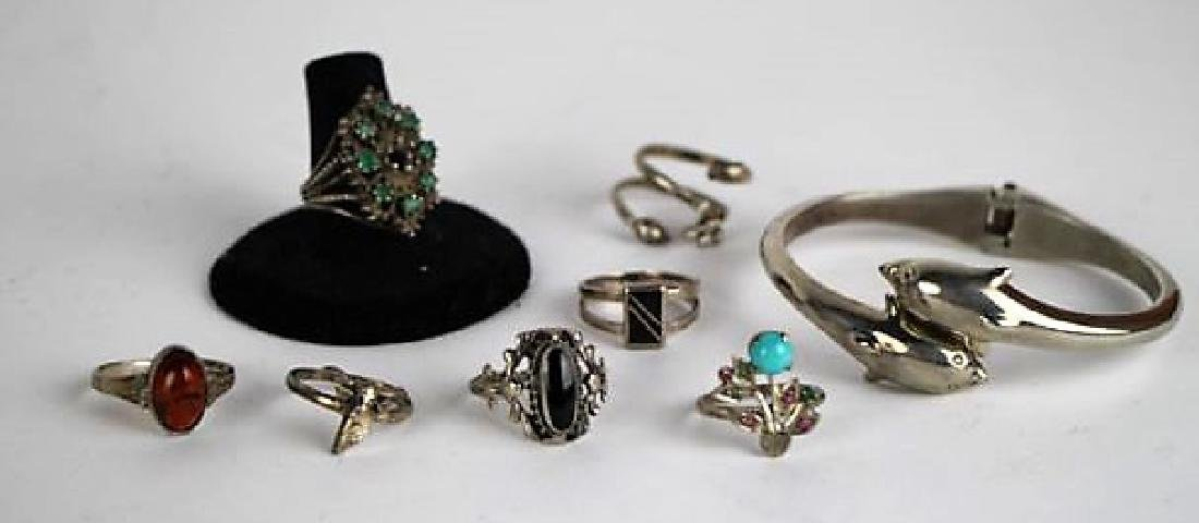 LOT OF SILVER RINGS AND BRACELET