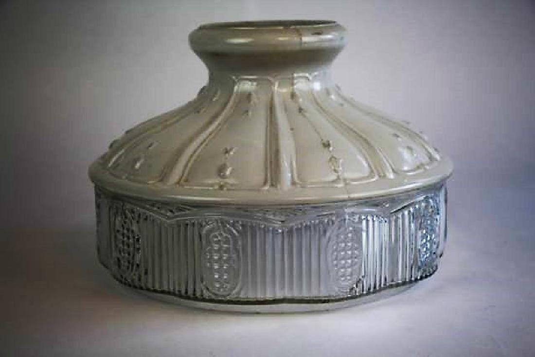 "ALADDIN JADE GREEN ""DIAMOND QUILT"" OIL LAMP - 9"