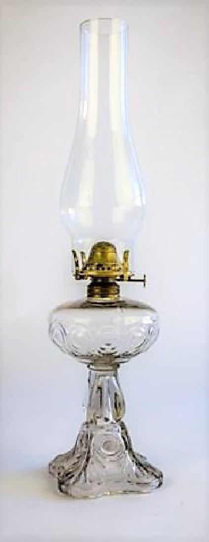 """19TH C. OIL LAMP """"BULLSEYE SOFT DETAIL"""" PATTERN"""