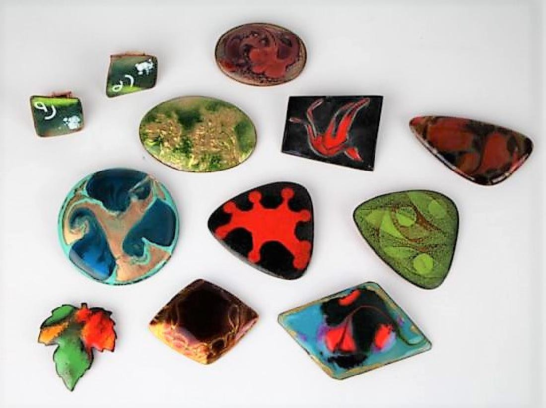 LOT OF ENAMEL ON COPPER BROOCHES