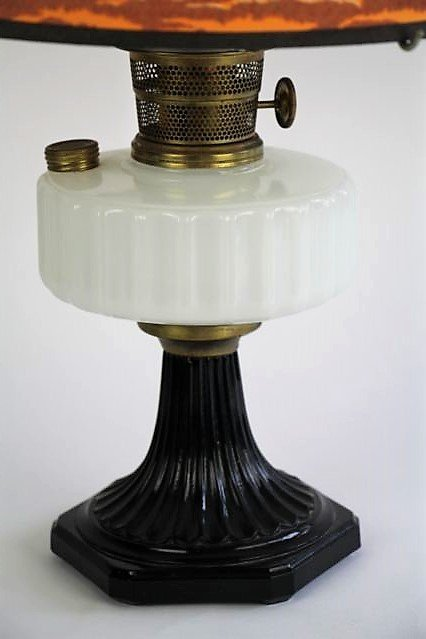 ALADDIN CORINTHIAN PATTERN OIL LAMP - 2