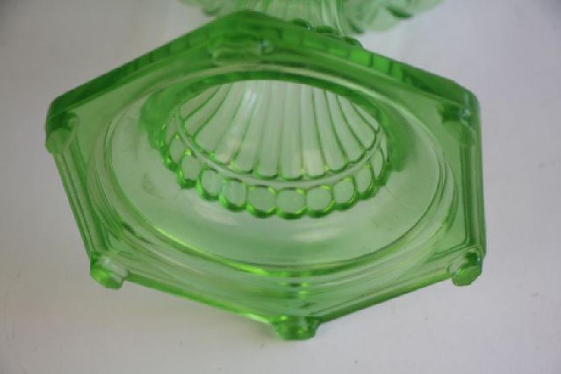ALADDIN GREEN CATHEDRAL PATTERN OIL LAMP - 5