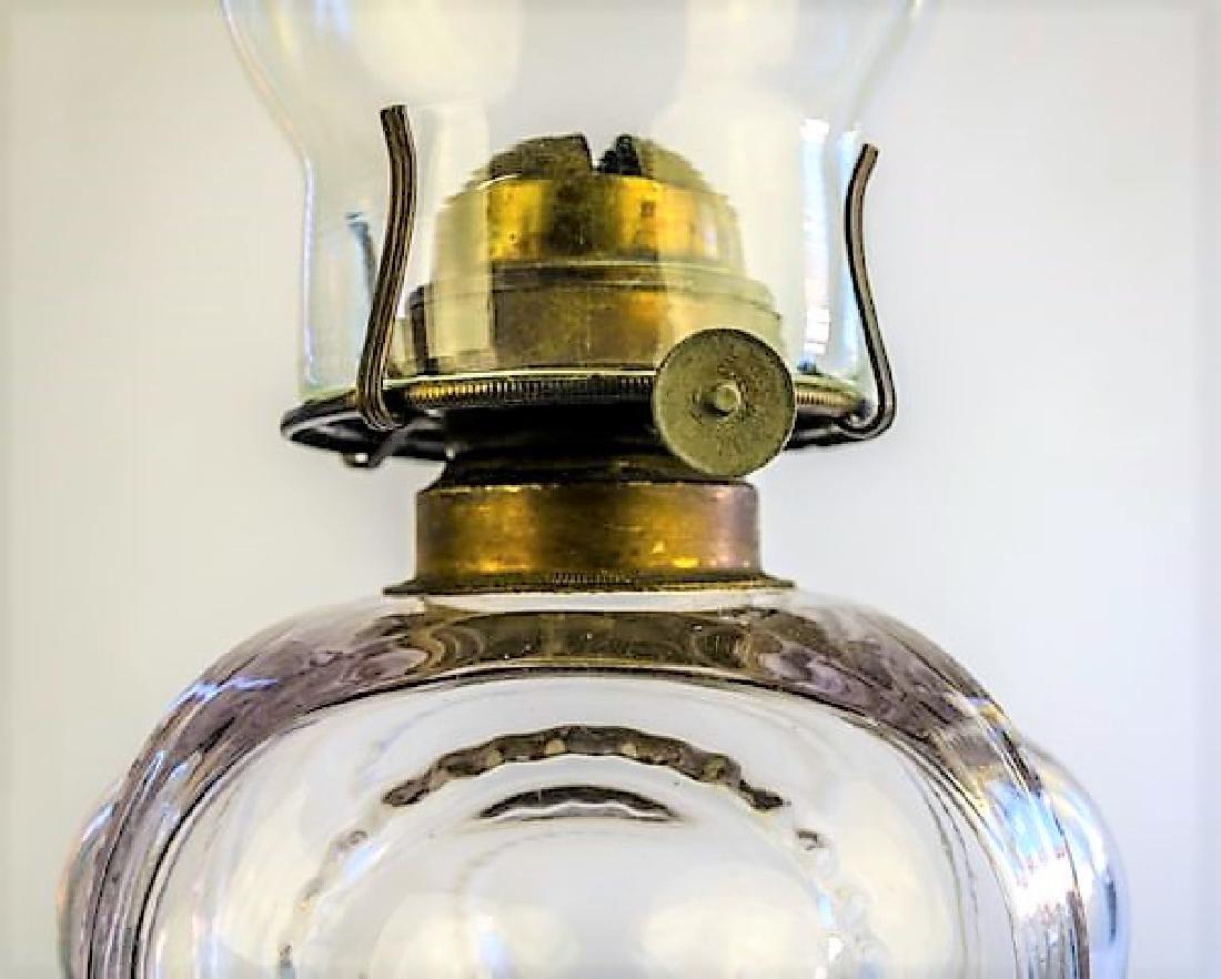 19TH CENTURY OIL LAMP - 3