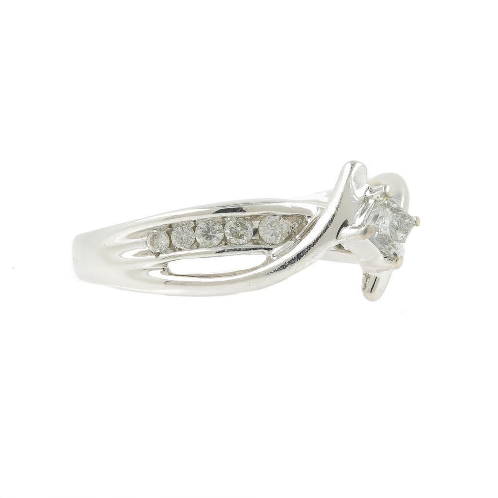 Vintage Classic Estate Ladies 10K White Gold Diamond - 3