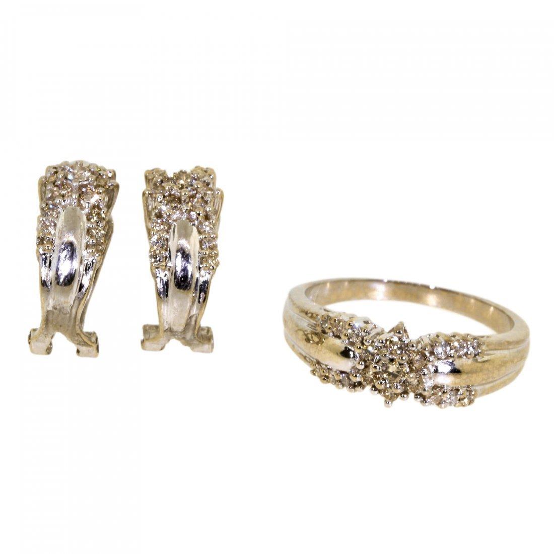 Charming Classic Estate 18K White Gold Diamond Ladies