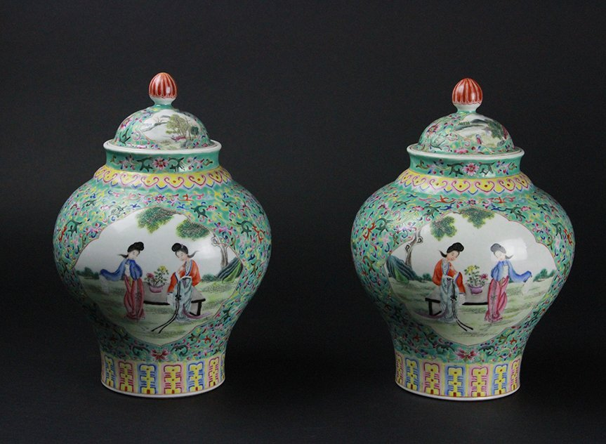 PAIR OF CHINESE FAMILLE ROSE VASES WITH COVER