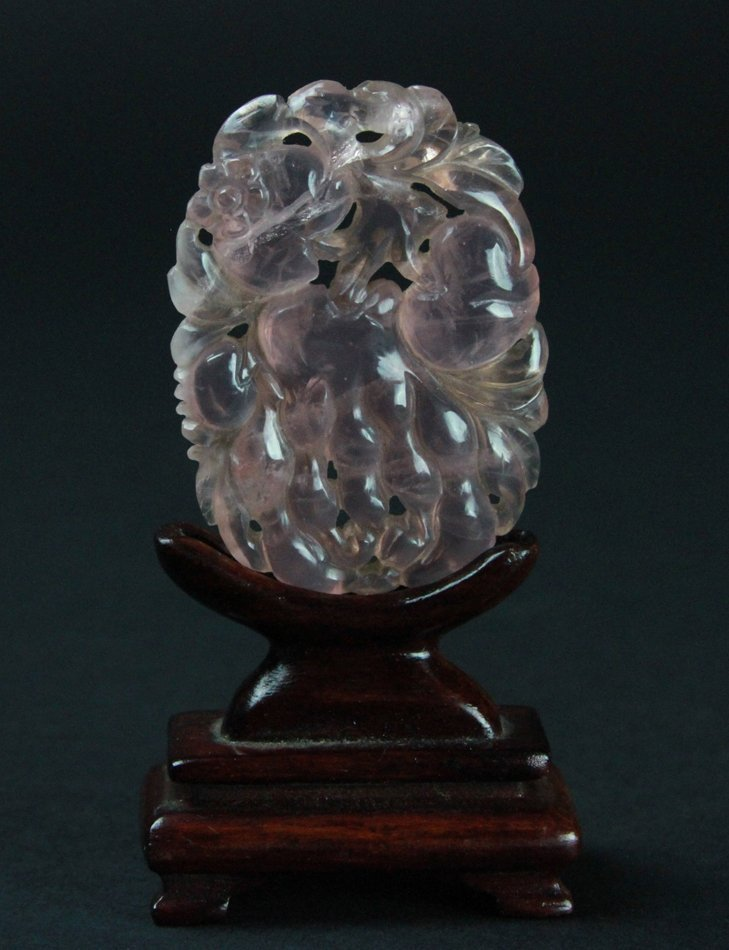 CHINESE HAND CARVED CRYSTAL PENDANT