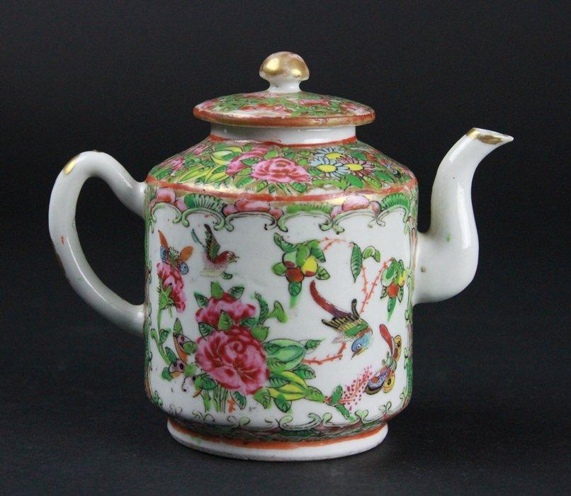 Chinese Famille Rose Tea Pot