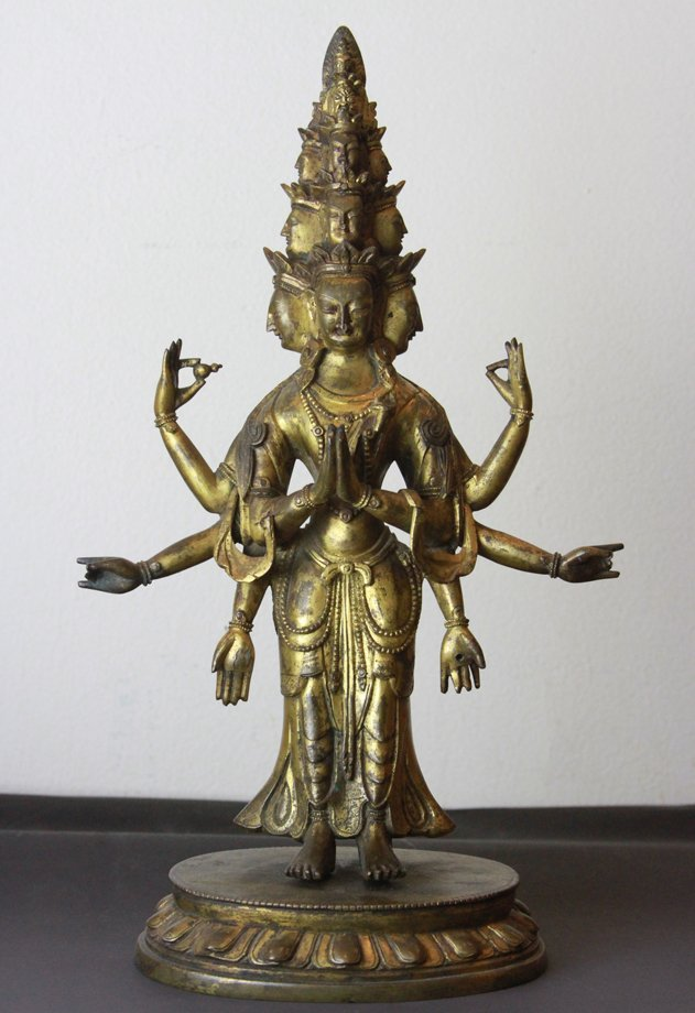 An Important antique gold gilted bronze buddha