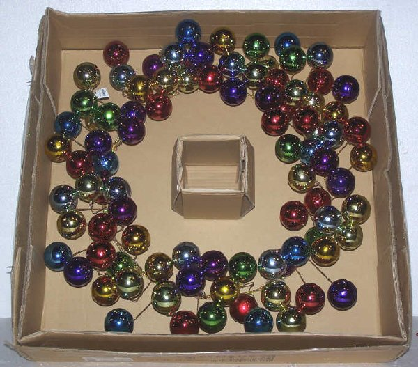 113: Multi Color Solid Ball Wreath, 30 in.