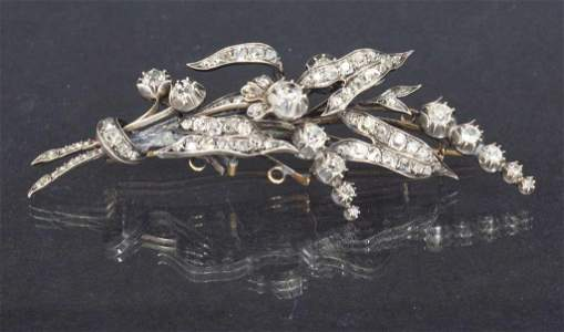 Brooch with 98 natural diamonds