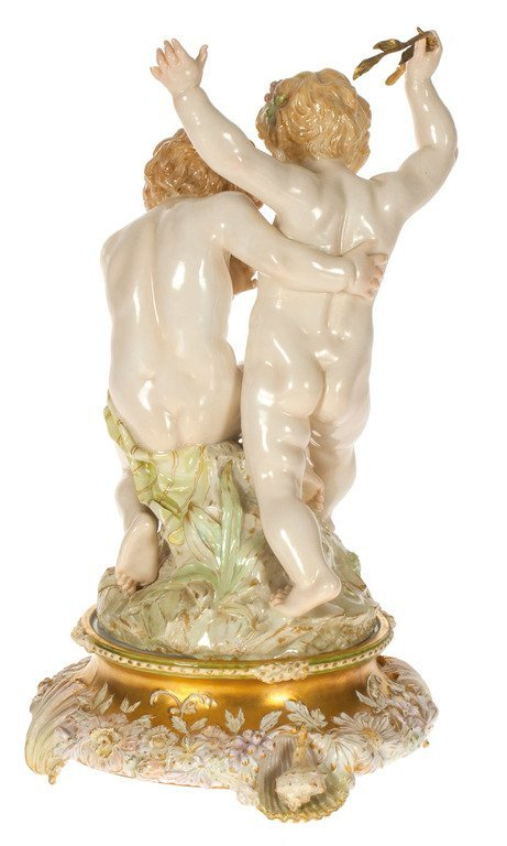Porcelain figure - Children with the frog - 2