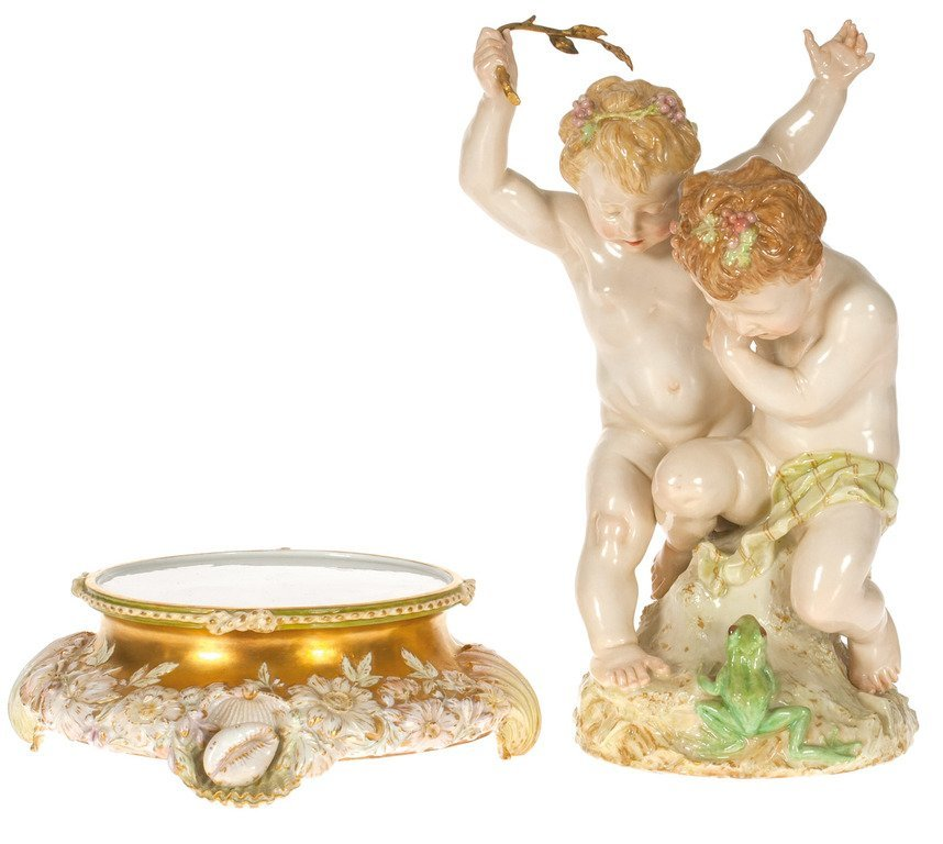 Porcelain figure - Children with the frog - 3
