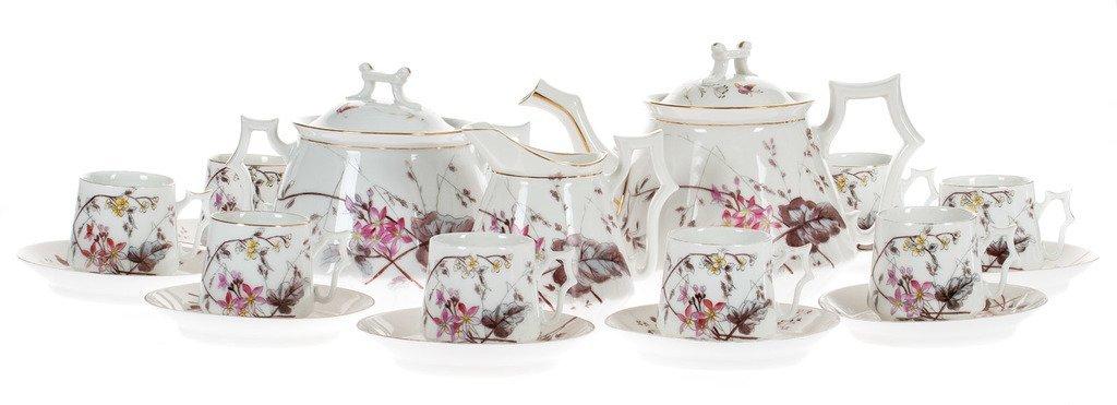 Porcelain set for 10 persons