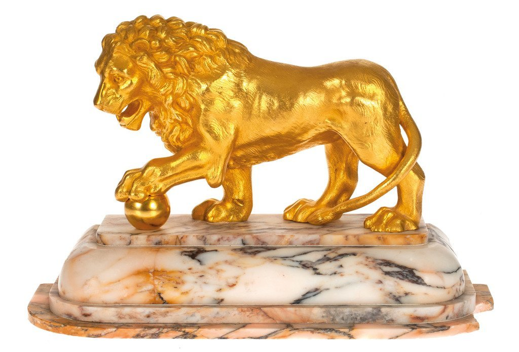 Golden bronze figure - Lion