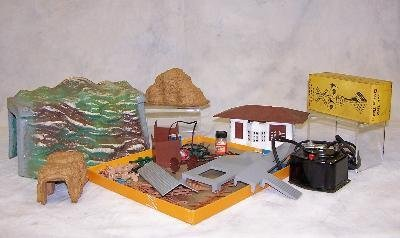 11: ASSORTED LOT OF TRAIN COLLECTIBLES