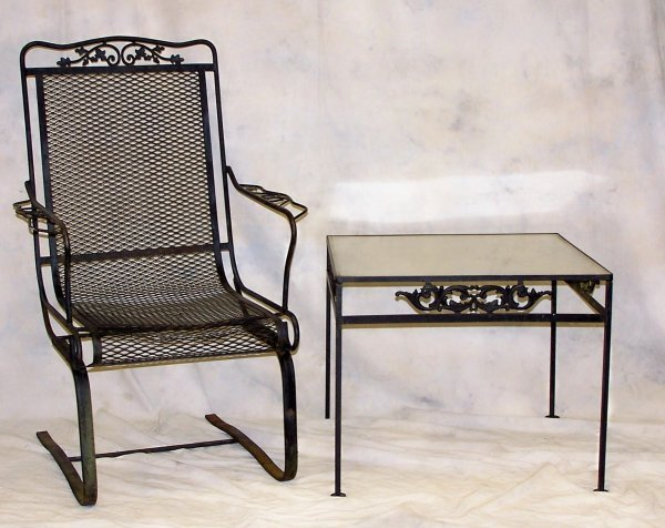 504: Wrought iron outdoor table and chair set