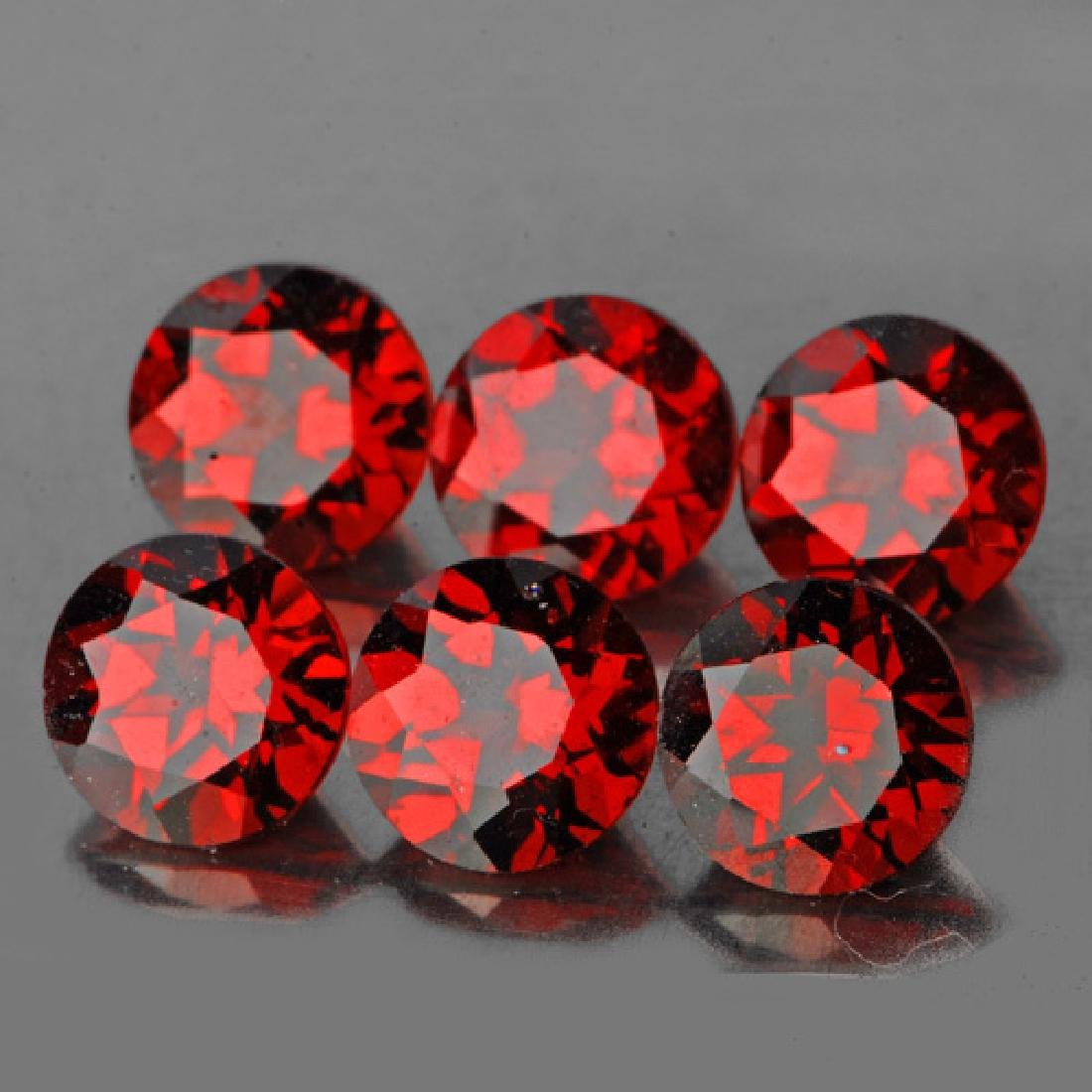 Natural Red Mozambique Garnet 7.22 ct {Flawless-VVS1)