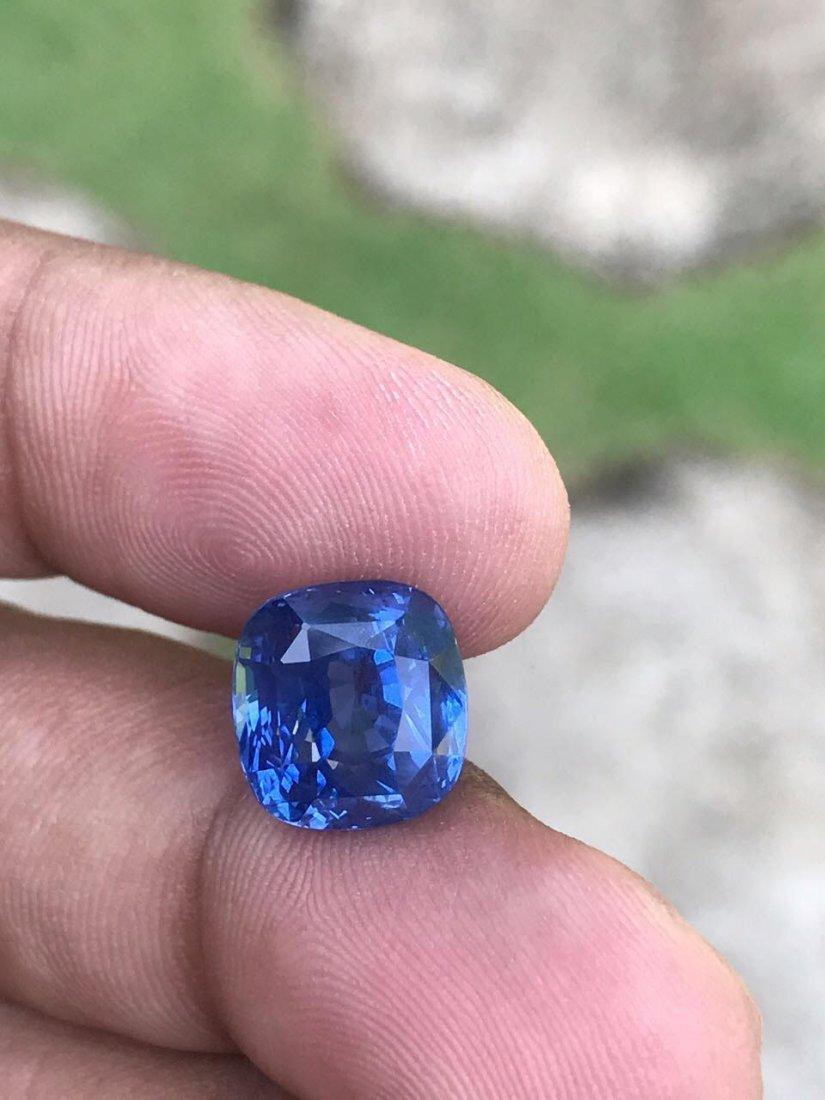 Natural Cornflower Blue Sapphire 11.64 Cts - Untreated