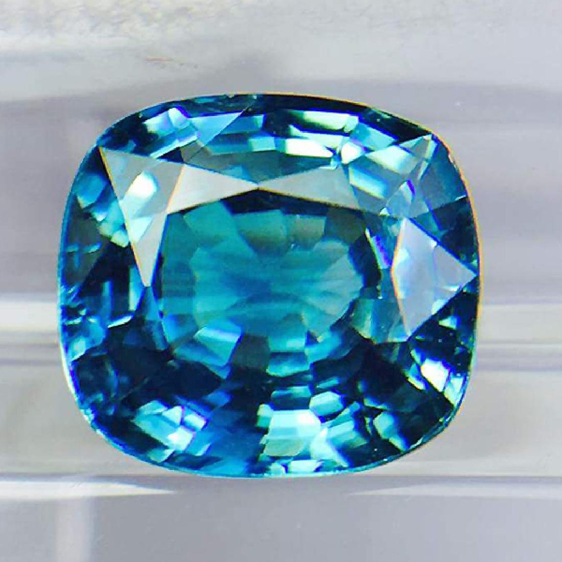 Natural Electric Blue Zircon 2.50 Ct {Flawless-VVS1}