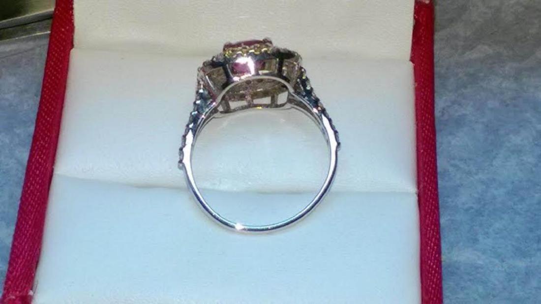 Stunning Kashmir Sapphire Diamond & Gold Ring - GRS - 3