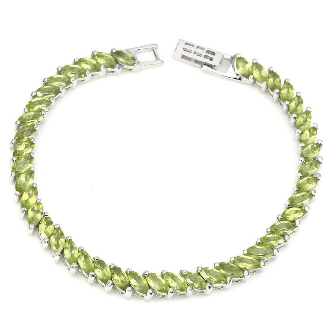 Natural Top Rich Green Peridot  82 Cts Bracelet