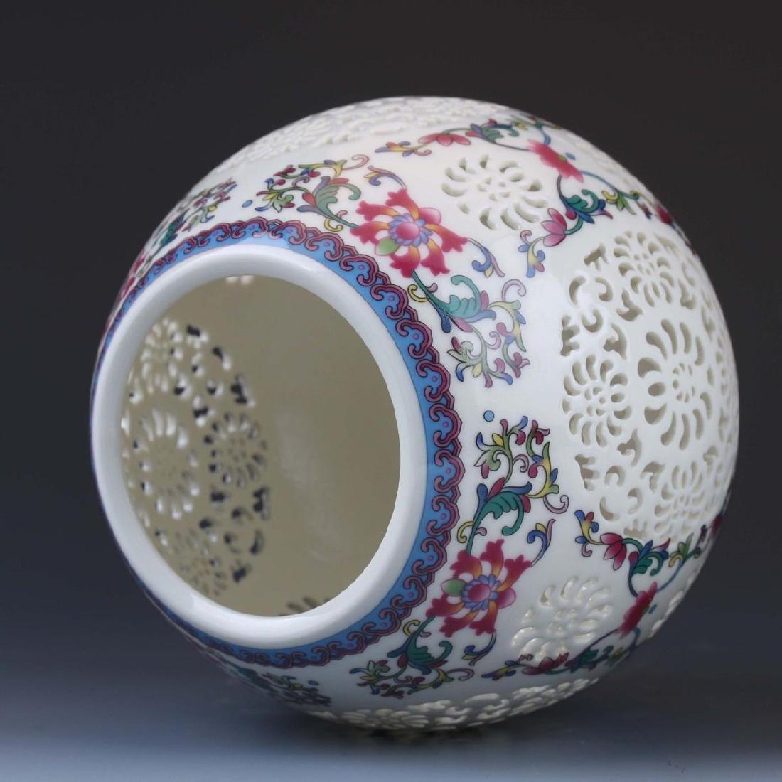 Vintage Chinese Vase - 8