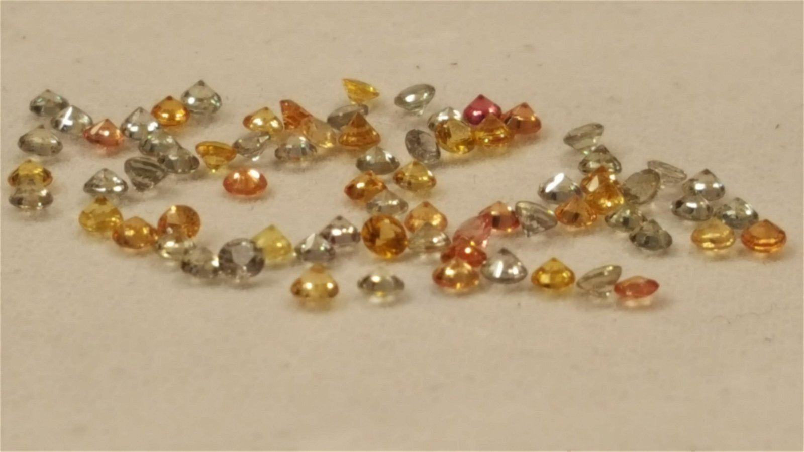 LOVELY 5.25 CT MIXED COLOR SAPPHIRE GEMSTONES.