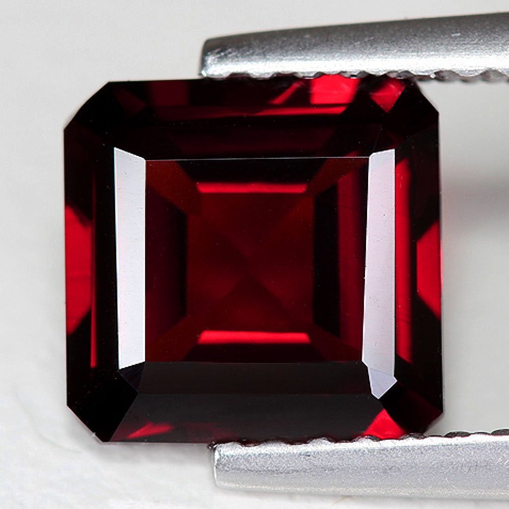 Natural Red Rhodolite Garnet 2.025 cts - AAA