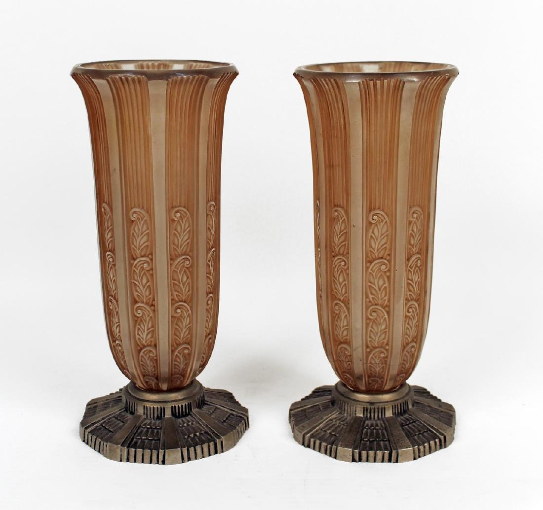 1930 PAIR OF VASES WITH METAL BASE