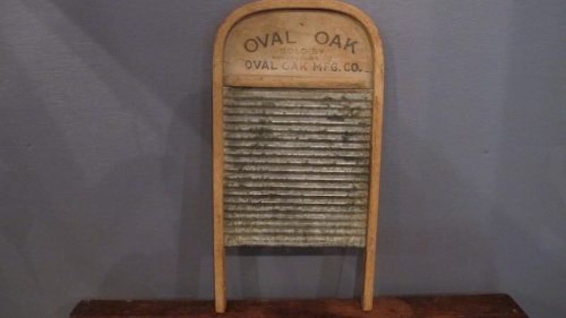 91. Oval Oaks No. 97 Tin Washboard