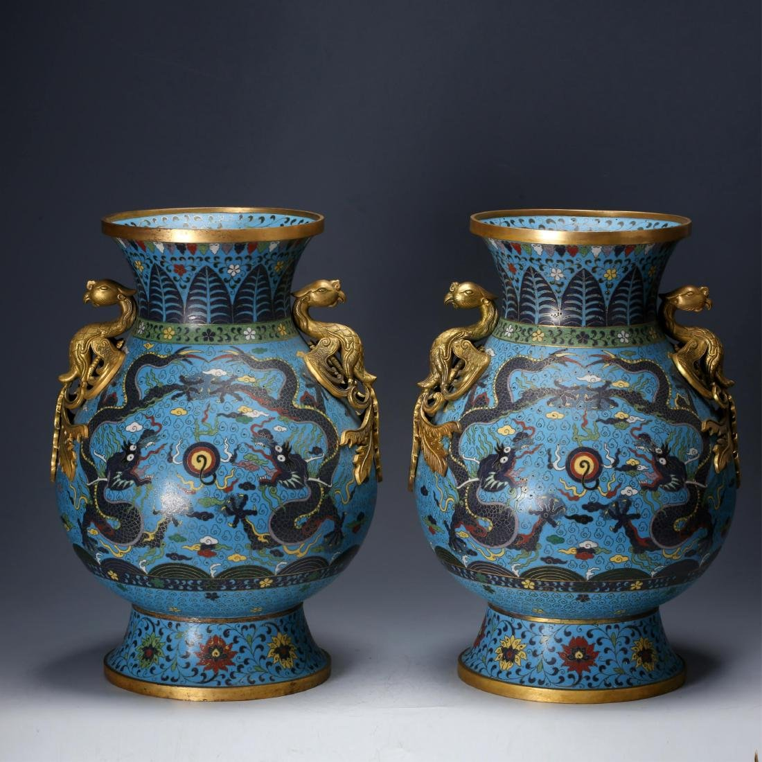 PAIR OF CHINESE CLOISONNE VASE WITH CHILONG HANDLE