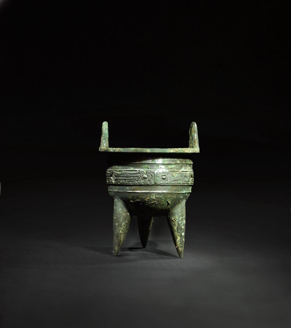 CHINESE ARCHAIC BRONZE TRIPOD CENSER